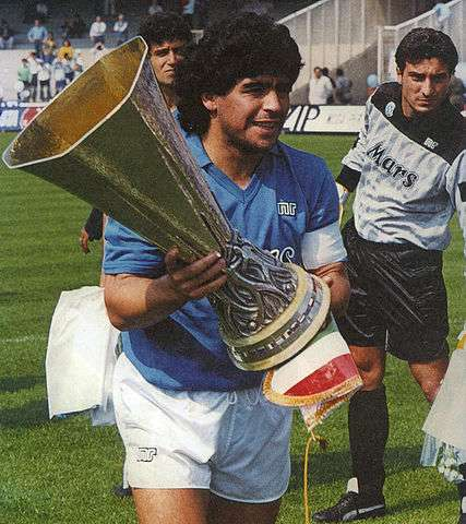 Maradona, de Magistris: